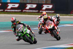 Jonathan Rea, Kawasaki, et Chaz Davies, Ducati Team