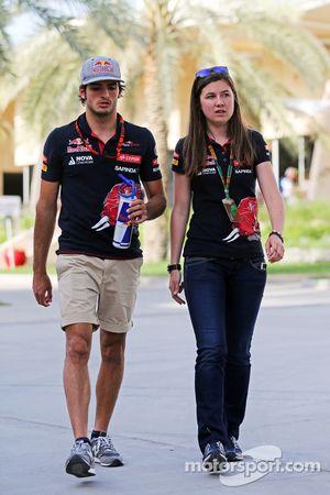 Carlos Sainz Jr. y Tabatha Valls, Scuderia Toro Rosso Oficial de Prensa