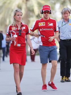 Sebastian Vettel und Britta Roeske, Ferrari-Pressevertreterin