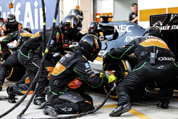 Sahara Force India F1 Team, Mechaniker beim Boxenstopp-Training