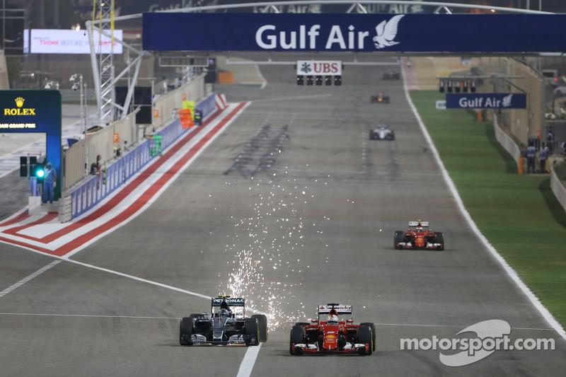 Ніко Росберг, Mercedes AMG F1 W06 та Себастьян Феттель, Ferrari SF15-T - боротьба за позиції