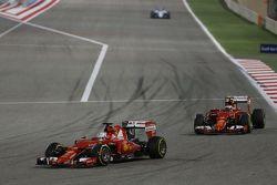 Sebastian Vettel, Ferrari SF15-T lidera al su compañero Kimi Raikkonen, Ferrari SF15-T