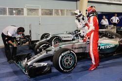 Race winner Lewis Hamilton, Mercedes AMG F1 W06 and second placed Kimi Raikkonen, Ferrari celebrate in parc ferme