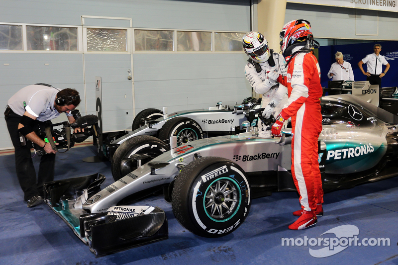 Race winner Lewis Hamilton, Mercedes AMG F1 W06 and second placed Kimi Raikkonen, Ferrari celebrate in parc ferme
