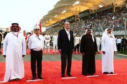 Der frühere spanische König Juan Carlos und Bernie Ecclestone in der Startaufstellung