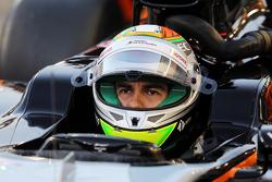 Sergio Perez, Sahara Force India F1 VJM08, in der Startaufstellung