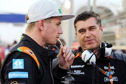Nico Hulkenberg, Sahara Force India F1 with Bradley Joyce, Sahara Force India F1 Race Engineer on th
