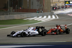 Valtteri Bottas, Williams F1 Team and Sebastian Vettel, Scuderia Ferrari
