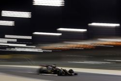 Romain Grosjean, Lotus F1 E23 sends sparks flying