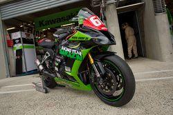 #60 Kawasaki: Emmanuel Moulin, Alexandre Santo Domingues, Madjid Idres