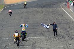 #30 Suzuki : Vincent Philippe, Anthony Delhalle, Etienne Masson s'imposent