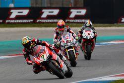 Chaz Davies, Ducati Team, Michael van der Mark, Pata Honda, et Leon Haslam, Aprilia Racing Team