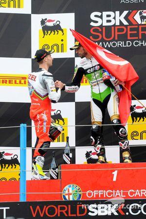 Kenan Sofuoglu, Puccetti Racing Kawasaki, et Jules Cluzel, MV Agusta
