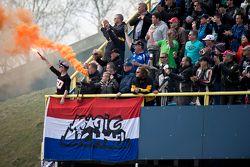 Les fans de Michael van der Mark, Pata Honda
