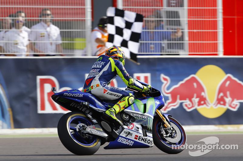 Rossi cruza ganador la meta en Argentina 2015