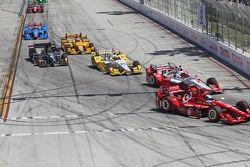 Scott Dixon, Chip Ganassi Racing Chevrolet et Juan Pablo Montoya, Team Penske Chevrolet
