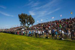 Long Beach fans