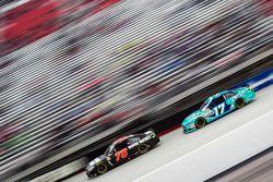 Martin Truex jr., Furniture Row Racing, Chevrolet, und Ricky Stenhouse jr., Roush Fenway Racing, For
