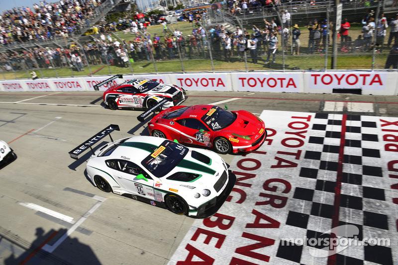#16 Team Bentley Dyson Racing Bentley Continental GT3: Chris Dyson and #64 Scuderia Corsa Ferrari 45