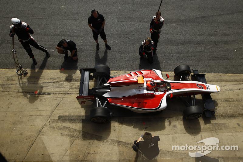 Esteban Ocon, ART Grand Prix practices a pit stop