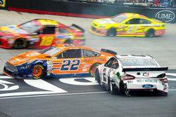 Brad Keselowski, Team Penske Ford and Joey Logano, Team Penske Ford crash