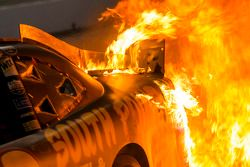 Un feu dans le stand de Brendan Gaughan