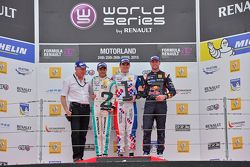 Podium: second place Jazeman Jaafar, Fortec Motorsports, race winner Oliver Rowland, Fortec Motorsports, third place and first rookie Dean Stoneman, DAMS