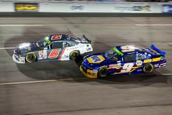Darrell Wallace Jr., Roush Fenway Racing Ford en Chase Elliott, JR Motorsports Chevrolet