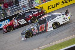 Chris Buescher, Roush Fenway Racing Ford en Darrell Wallace Jr., Roush Fenway Racing Ford