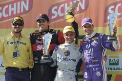 Podium Race 2: Cacá Bueno, Max Wilson, en Julio Campos