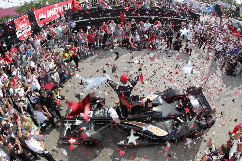 2015: первая победа в IndyCar
