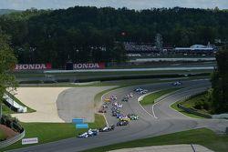 Start: Helio Castroneves, Team Penske, Chevrolet, in Führung