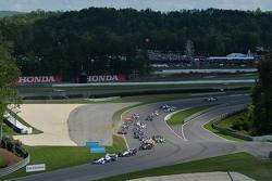 起步: Helio Castroneves, Penske雪佛兰车队,领先