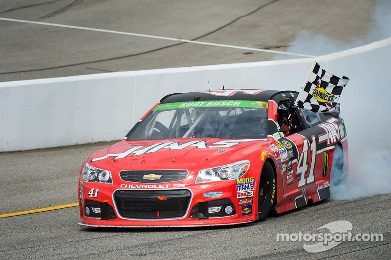2015, Richmond 1: Kurt Busch (Stewart/Haas-Chevrolet)