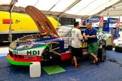 Auto de Rubén García Jr.,Canel's Racing en su pit.