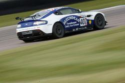 Jamie Chadwick e Ross Gunn, Beechdean Aston Martin GT4 Challenge