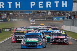 Start: Mark Winterbottom, Prodrive Racing Australia Ford, leidt