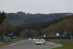 #17 Porsche Team 919 Hybrid: Тимо Бернхард, Марк Уэббер и Брендан Хартли