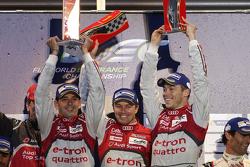 领奖台: Benoit Tréluyer, Andre Lotterer, Marcel Fassler, 奥迪赛车队Joest