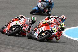 Andrea Iannone, Ducati Team e Yonny Hernandez and Danilo Petrucci, Pramac Racing Ducatis