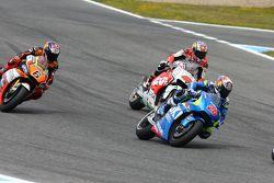 Maverick Viñales, Team Suzuki MotoGP, con Jack Miller, Team LCR Honda, y Loris Baz, Forward Racing Y
