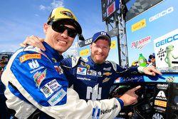 Greg Ives et Dale Earnhardt Jr.