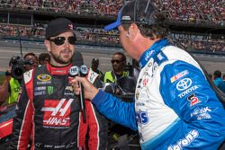 Kurt Busch, Stewart-Haas Racing Chevrolet ve Michael Waltrip