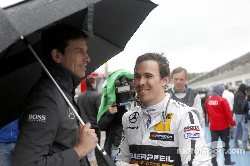 Toto Wolff, directeur sportif de Mercedes-Benz et Robert Wickens
