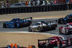 Race start: #10 Wayne Taylor Racing Corvette DP: Ricky Taylor, Jordan Taylor a la cabeza