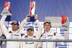 领奖台: 第三名 马克·韦伯, Timo Bernhard, Brendon Hartley