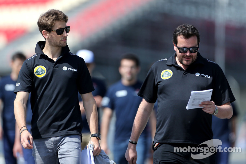 Romain Grosjean, Lotus F1 Team, und Julien Simon-Chautemps, Renningenieur, Lotus F1 Team