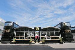 Моторхоум команды Lotus F1