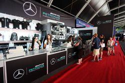 Mercedes AMG F1, Fanartikel-Stand