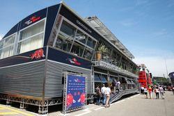 Моторхоум Red Bull
